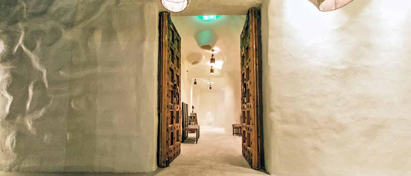 Leonardo Mediterranean Hotels & Resorts - Nava Seaside Lounge and Restaurant