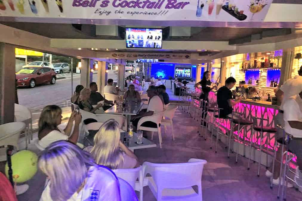 Leonardo Hotels & Resorts Mediterranean - bellsCocktailBar_07.jpg